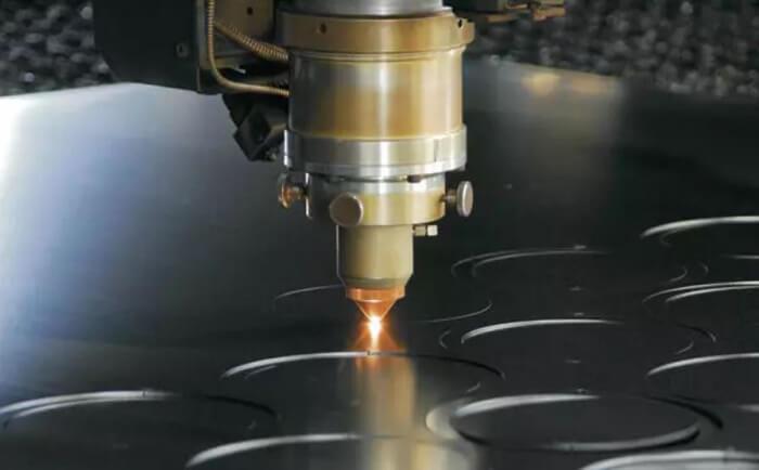 Nguyên lý hoạt động của máy cắt CNC