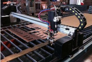 Máy cắt CNC mini có chức năng tương tự máy cắt CNC